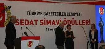 Zühre SARAL GÖKAĞAÇ'a Övgü Ödülü: Bir Ada İki Göç