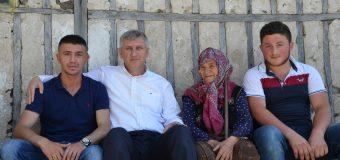Başkan Sarıalioğlu'ndan yaralı askere duygulandıran ziyaret